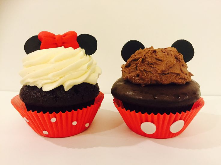 Mickey & Minne Mouse Cupcakes by Le Bris Cupcake