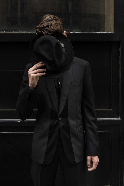 фото возрастных мужчин со скрытым лицом нем маленькая румер