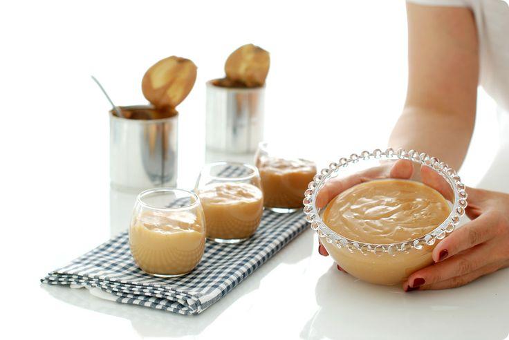 Receta de Dulce de leche con leche entera, azúcar y bicarbonato. En 45 minutos la tienes lista y no tienes que remover, lo hace por ti tu Thermomix ®.