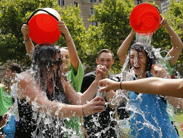Two women get doused during the ice bucket challenge in Boston's Copley Square http://thinkprogress.org/health/2014/08/21/3474291/anti-abortion-ice-bucket/
