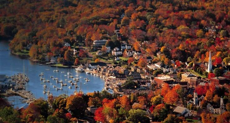 Twelve small New England towns for a weekend escape! Marblehead, MA; Camden, ME; Peterborough, NH; Stockbridge, MA; Little Compton, RI; Kennebunkport, ME; Litchfield, CT...