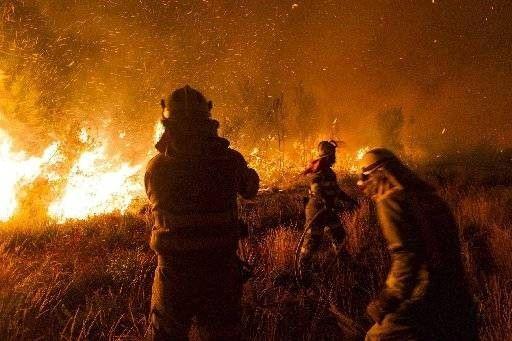 Tres incendios forestales activos en Galicia queman más de 1.800 hectáreas