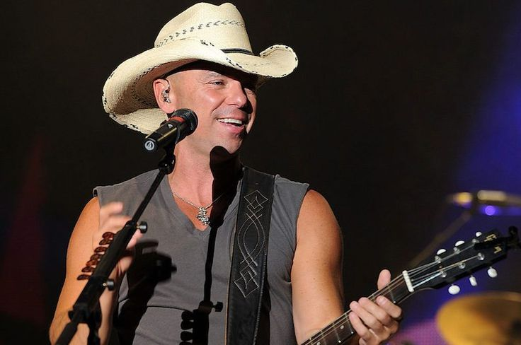 Kenny Chesney Captures the Heart of No Shoes Nation with New Live Album