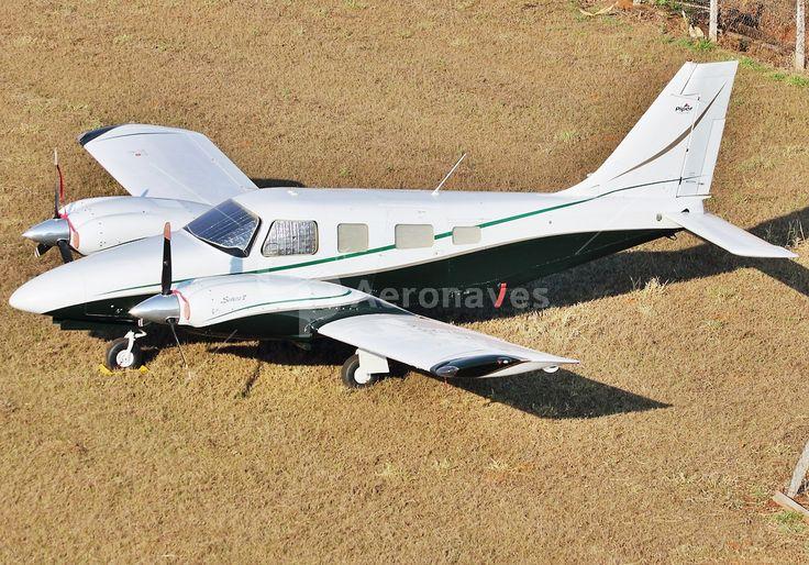 2001 Piper PA-34-220T Seneca V for sale in Brazil => www.AirplaneMart.com/aircraft-for-sale/Multi-Engine-Piston/2001-Piper-PA-34-220T-Seneca-V/12764/