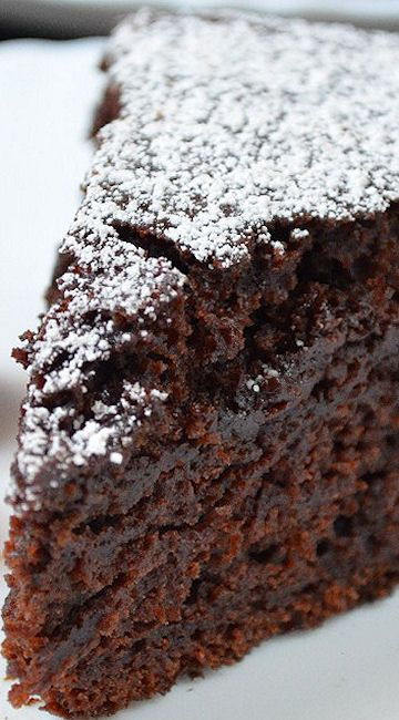 Eggless and Butterless Moist Chocolate Cake