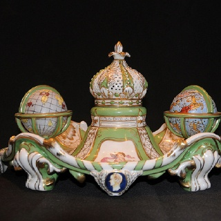 Sevres porcelain Globe İnkwell