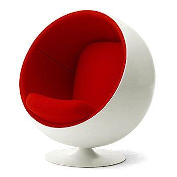 Ball Chair, Eerio Aarnio, 1963. Ik heb deze stoel gekozen, omdat ik heb er leuk uit vind zien, heel modern. Hij lijkt mij wel lekker zitten en je kunt er mee ronddraaien, dat vind ik erg leuk.
