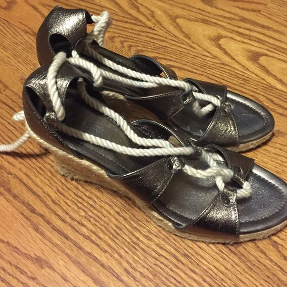 Silver espadrilles heels with rope straps! 😍 Gorgeous silver heels with rope straps and a woven heel. Barely worn and no scratches on the leather upper portion! Some of the rope laces are unraveling a little. J. Crew Shoes Heels