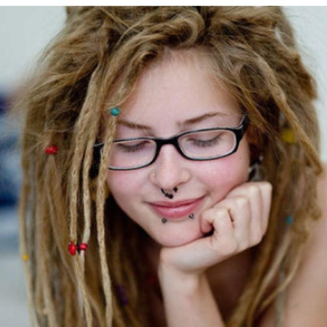 i want white girl dreads!!!!