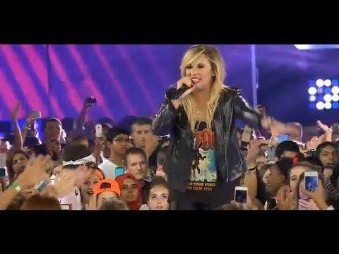 Demi Lovato performance at We day 2013 Toronto (20/09/13)
