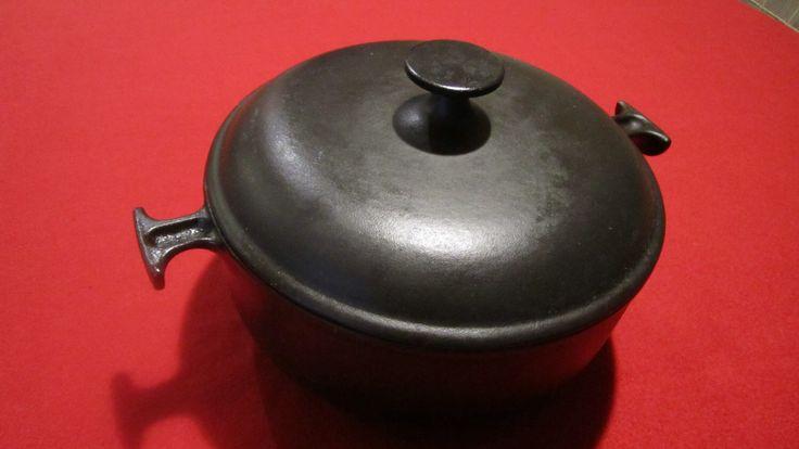 Rare Vintage Black Le Creuset Cast Iron Enzo Mari Dutch Oven Casserole #23 ! by AddictingVintage on Etsy https://www.etsy.com/listing/226608618/rare-vintage-black-le-creuset-cast-iron