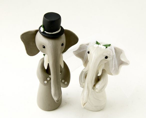 So cute: Wedding Cake Toppers, Weddings, Elephants Herding, Elephant Wedding, Wedding Toppers, Elephants Wedding, Wedding Cakes Toppers, Crazy Wedding Cakes, Dreams Life