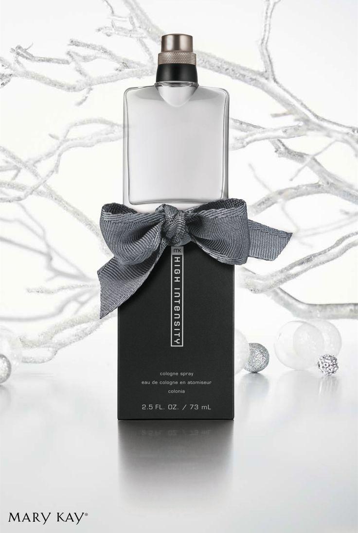 MK High Intensity® Cologne Spray é uma fragrância masculina com notas de topo de erva-doce negra e sálvia prata.