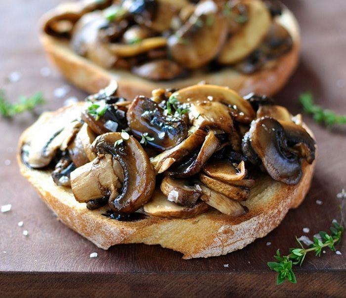 Cogumelo, tomilho e balsâmico no pão italiano: uma delícia dos céus!