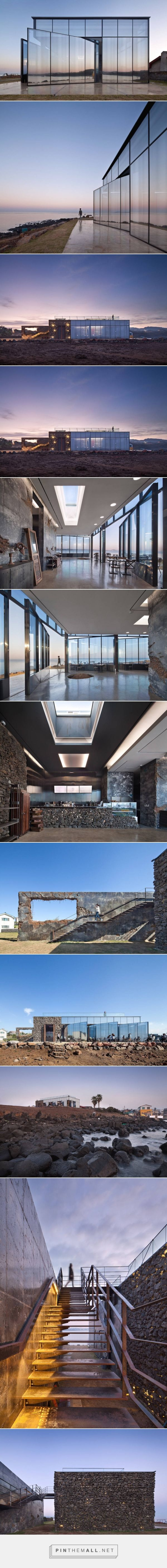 Cafe with Mirrored Facade & Pivoting Door in a Volcanic Island – Fubiz Media created