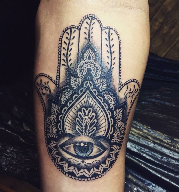 Best 25 fatima hand tattoos ideas only on pinterest for Kyrie irving tattoos shoulder