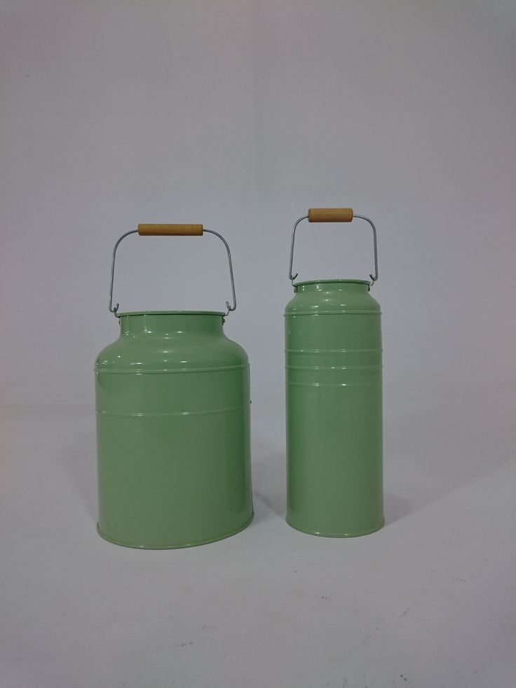 "PY-5158--Green Tin Milk Can Large / Small (H10""XW7"") / (H11""XW4.5"")"