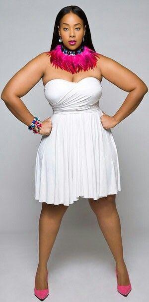 """Mia Amber Davis. 6'0"""". #MiaAmber #OmegaWoman #PlusTall #SexyThick #BigWomen"""