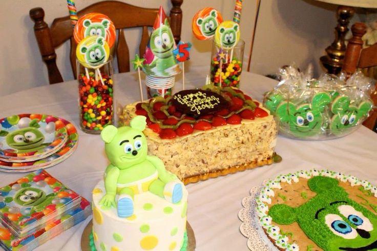 It's party time!!!  Happy Birthday party idea. Gummibär the Gummy Bear.