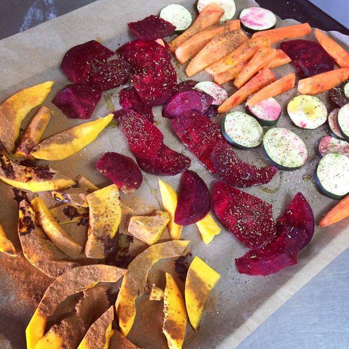 dynia posypana cynamonem,cukinia,marchew,burak z ziołami prowan,papryką,imbirem,oliwą