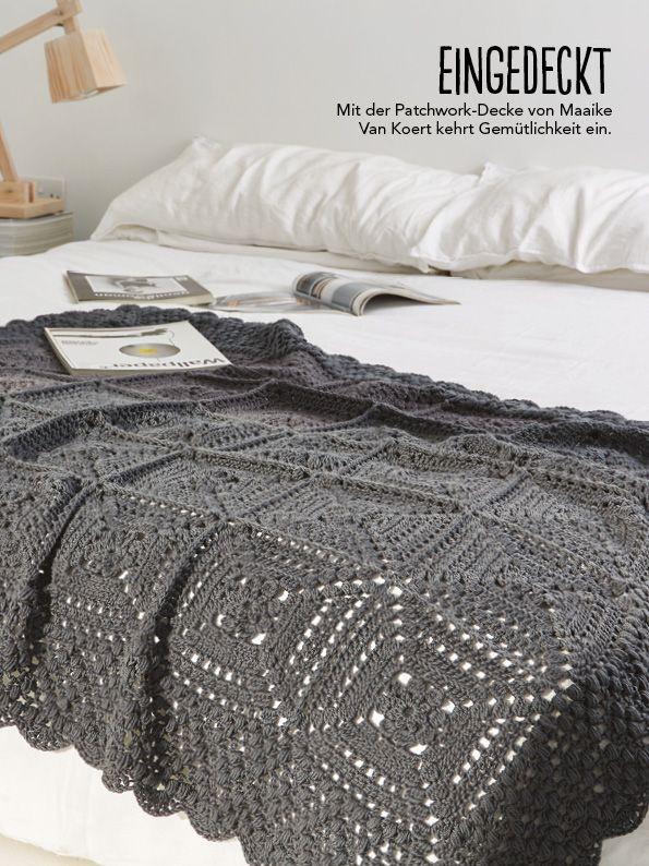 Wir lieben Häkeln und das zu jeder Jahreszeit! Mit der neuen Simply Häkeln begrüßen wir den Herbst mit mehr als 30 klasse Projekten! Ob süße Amigurmi, stylische Accessoires oder schicke Mode für die Großen und die Kleinen – wir sind gerüstet! Und damit wir uns so richtig schön einkuscheln können beim Häkeln, legen wir als gratis Extra ein Decken-Special oben drauf! 5 klasse XXL-Decken Anleitungen warten darauf, nachgearbeitet zu werden – es lohnt sich!Häkelanleitungen:Simply…