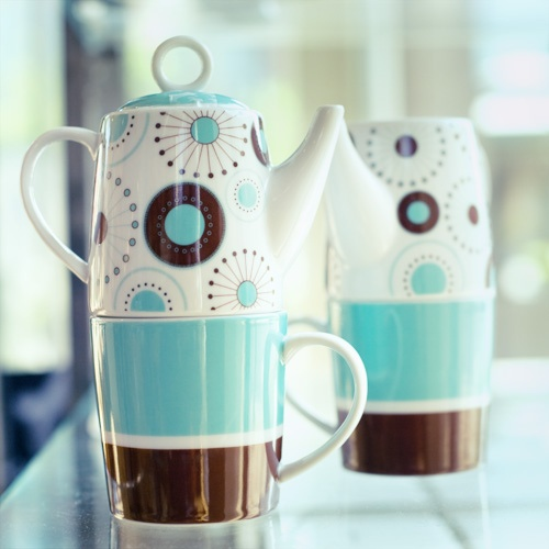 <3 this tea-for-one set ~ great for the office!