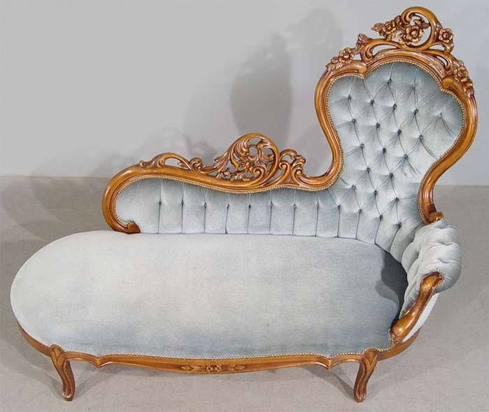 Gorgeous chaise lounge sofa settee Style: Elegant victorian