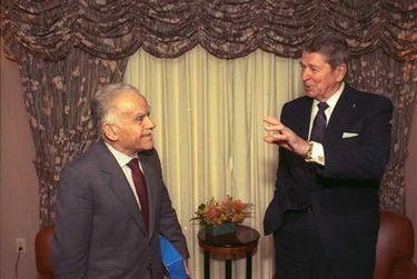 Presidentti Reagan ja Israelin PM Jitzhak Shamir   Community Post: 65 Years Of US-Israel Solidarity: A Look Into The History Of The US-Israel Relationship