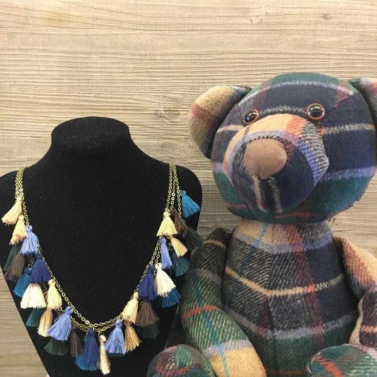 #duepuntihandmade #handmade #handmadewithlove #withlove #necklace #tassel #autumn #waitingautumn #green #blue #bordeaux #senape #colors #news #windowsshop #bear #haveaniceday