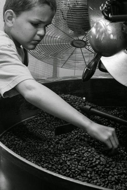 coffee roasting in Kapucziner / Kávépörkölés a Kapuczinerben