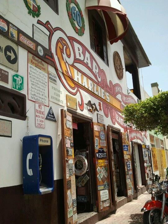 Charlies Bar!! Aruba ©Nicole Kokken