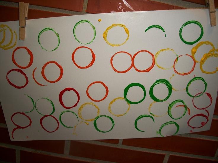 Estampamos círculos con tubos de cartón.P3
