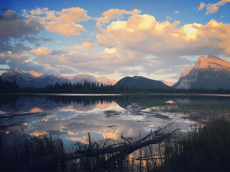 Sunset at Vermillion Lakes Banff National Park Alberta Canada [OC][4032x3021] http://ift.tt/2A6PMF6