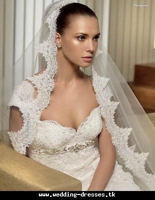spanish style lace veil wedding dress celebstylewed