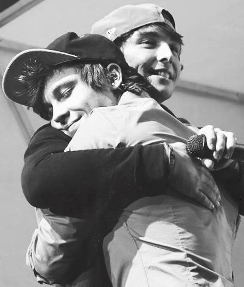 Awww Keaton's face as he seek refuge in his brother's arms #Emblem3 can imagine them like this when they were kids