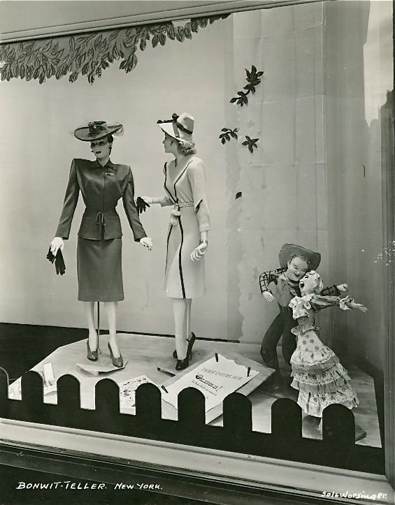 Bonwit-Teller window display, New York, 1940s.