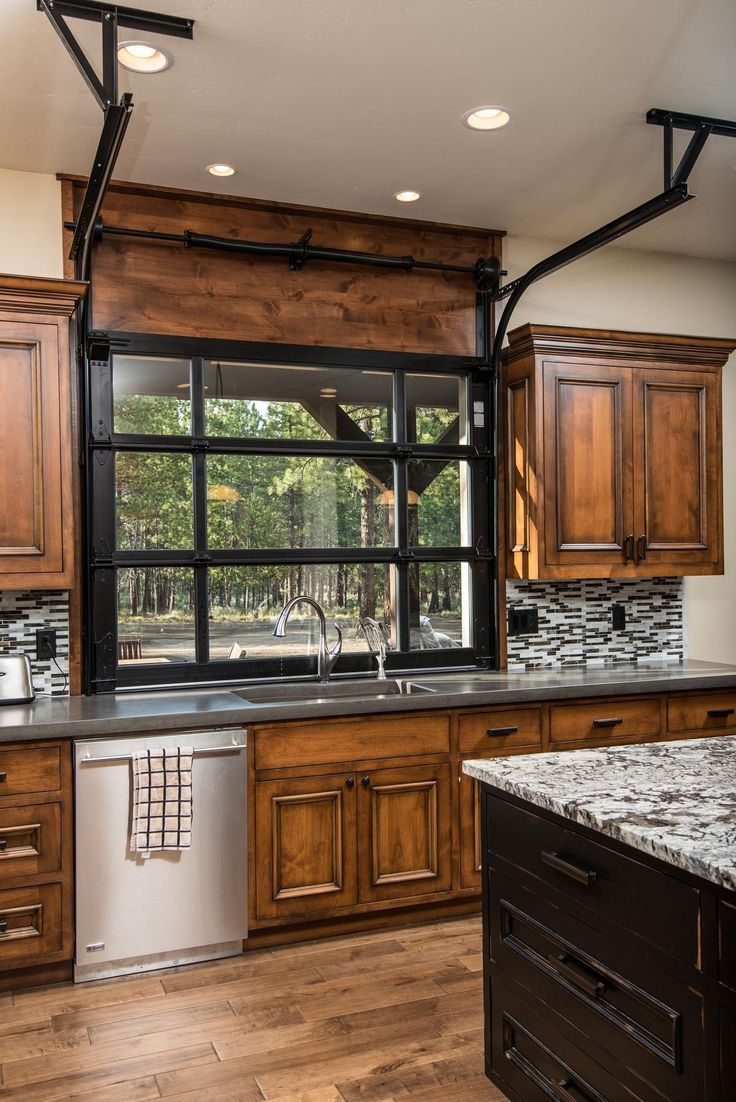 Custom Homes Photo Gallery - Custom Home Builders in Bend Oregon | Pacific Home Builders | Pacific Home Builders Cool garage door style window!