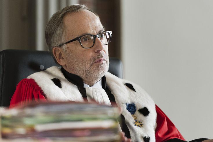 La corte: Fabrice Luchini giudice a metà tra severità e libero arbitrio -