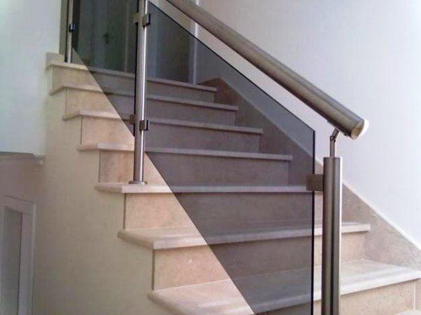 Modelos de Escadas com Corrimão de Vidro diferentes