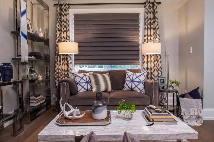 Living space in Property Brothers Buying & Selling: 407 - JULIE & PAUL