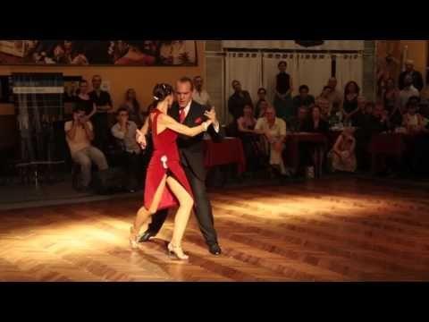 Lorena ermocida y pancho martinez pey bailan en salon for A puro tango salon canning
