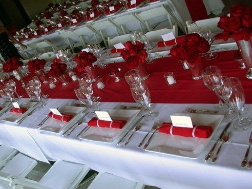 chemin de table rouge mariage rouge et blanc pinterest. Black Bedroom Furniture Sets. Home Design Ideas