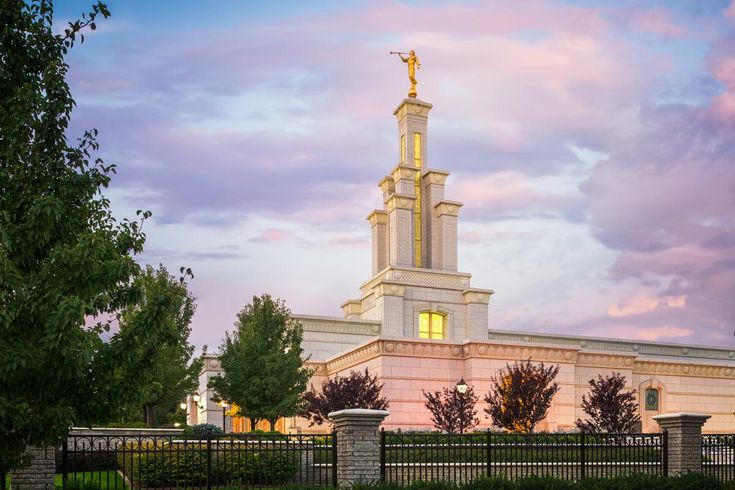 Columbia River, Washington. Artist: Alan Fullmer. LDS Temples on Havenlight.com