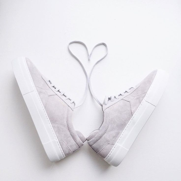 Axel Arigato sneakers - Fashion flatlay by Sandra Moreira @ sandrocas instagram