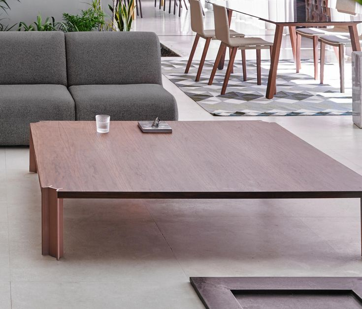 (low Formaldehyde Content) MDF Breboard With Natural Oak Or Walnut Wood  Veneer And A 2 Mm Solid Wood Edge.