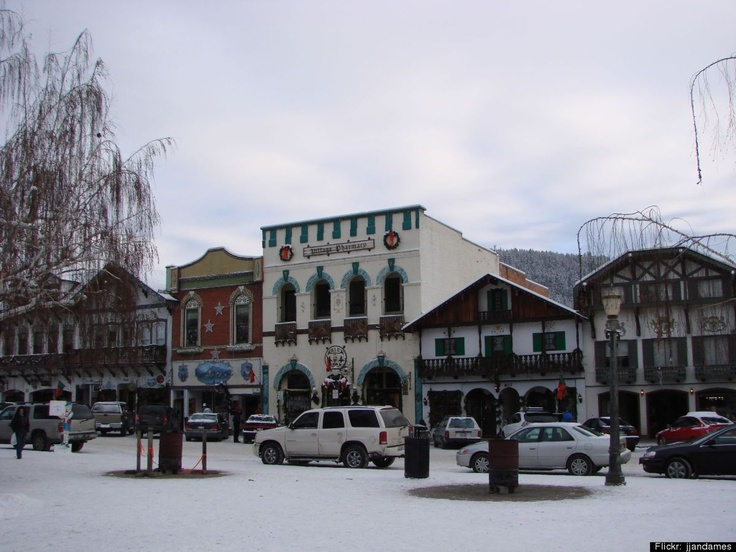 Christkindlmarkt: Leavenworth, Washington---Now this would be fun! A little mini German Christmas shopping village...!!