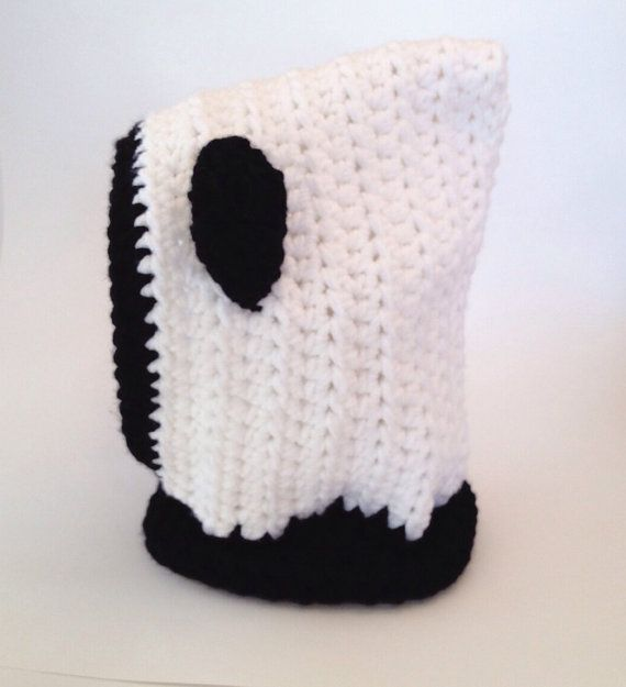 Hooded panda cowl by LuluLoveCraft on Etsy