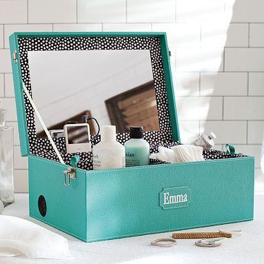 Idée rangement : cette boite peut servir de présentoir et de rangement pour vos produits capillaires : crèmes hydratantes, huiles...
