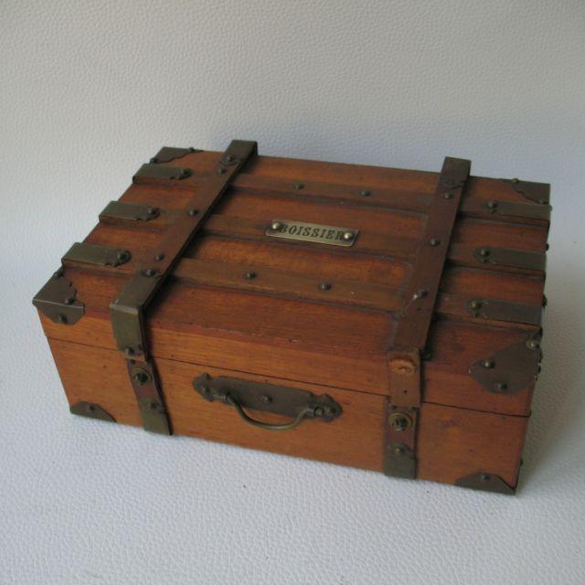 Boite en bois ancienne confiserie boissier fin xix forme de malle antique box ebay d coupe - Maison modulaire espagnole ...