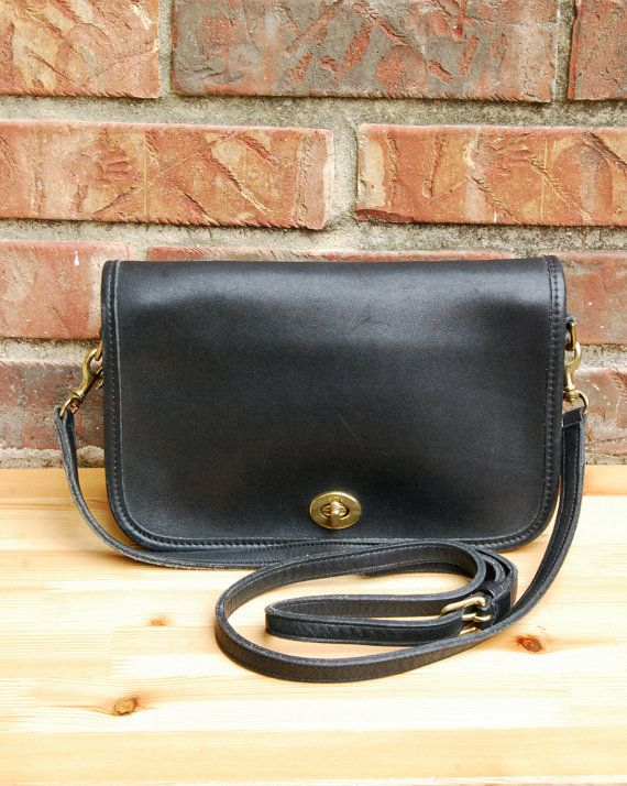 Vtg COACH Penny Pocket Purse in Black // Turnlock Black Coach Crossbody Bag with Strap // Coach Style 9755 // Excellent Vintage Condition